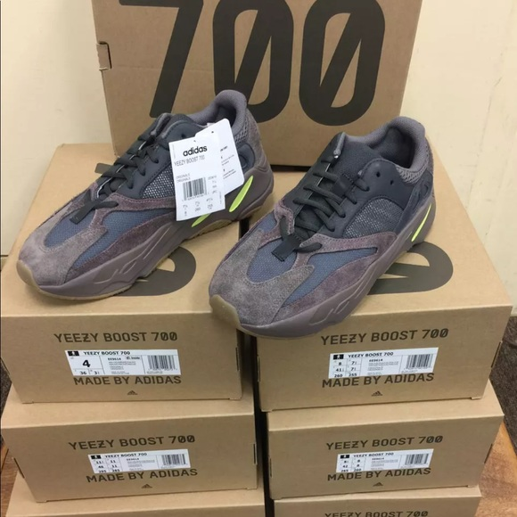 sneakers for cheap 43bb4 711d8 ADIDAS Yeezy Mauve 700 with Receipt AUTHENTIC NWT